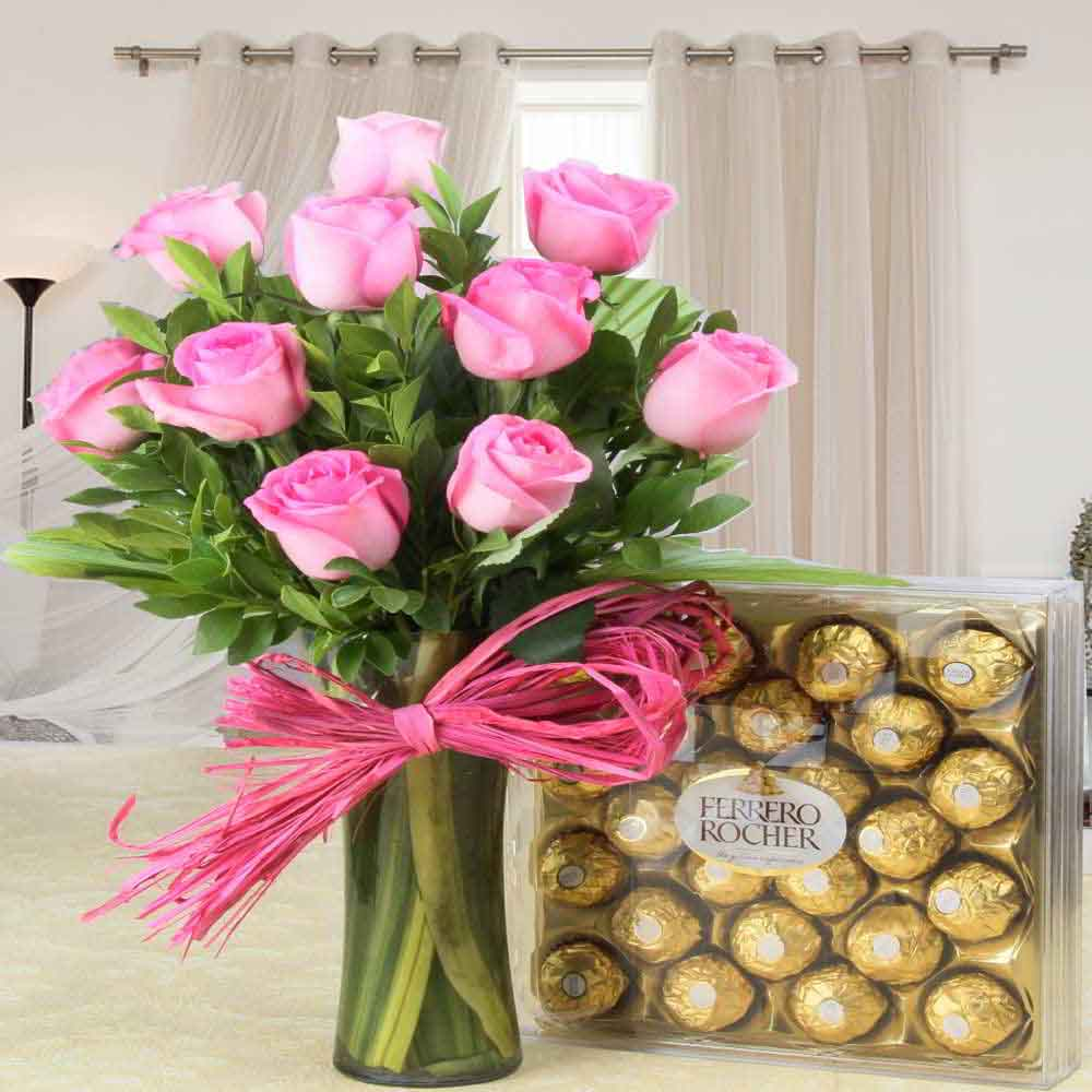 Flowers & Chocolates-Stunning Ferrero Rocher Chocolate with Pink Roses Hamper