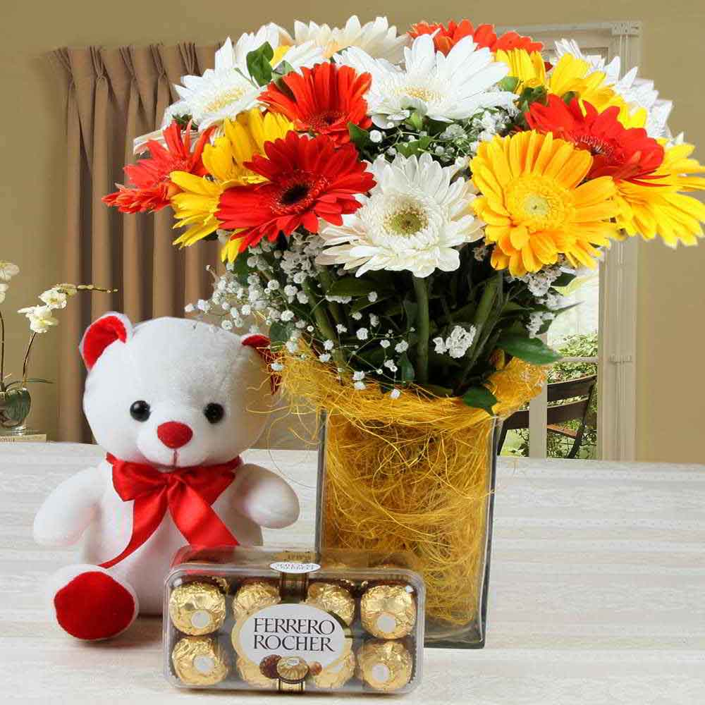 Flower Hampers-Charming Gift Combo