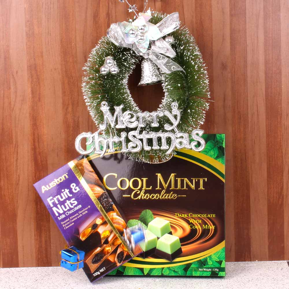 Merry Christmast Wreath with Chocolate Combo