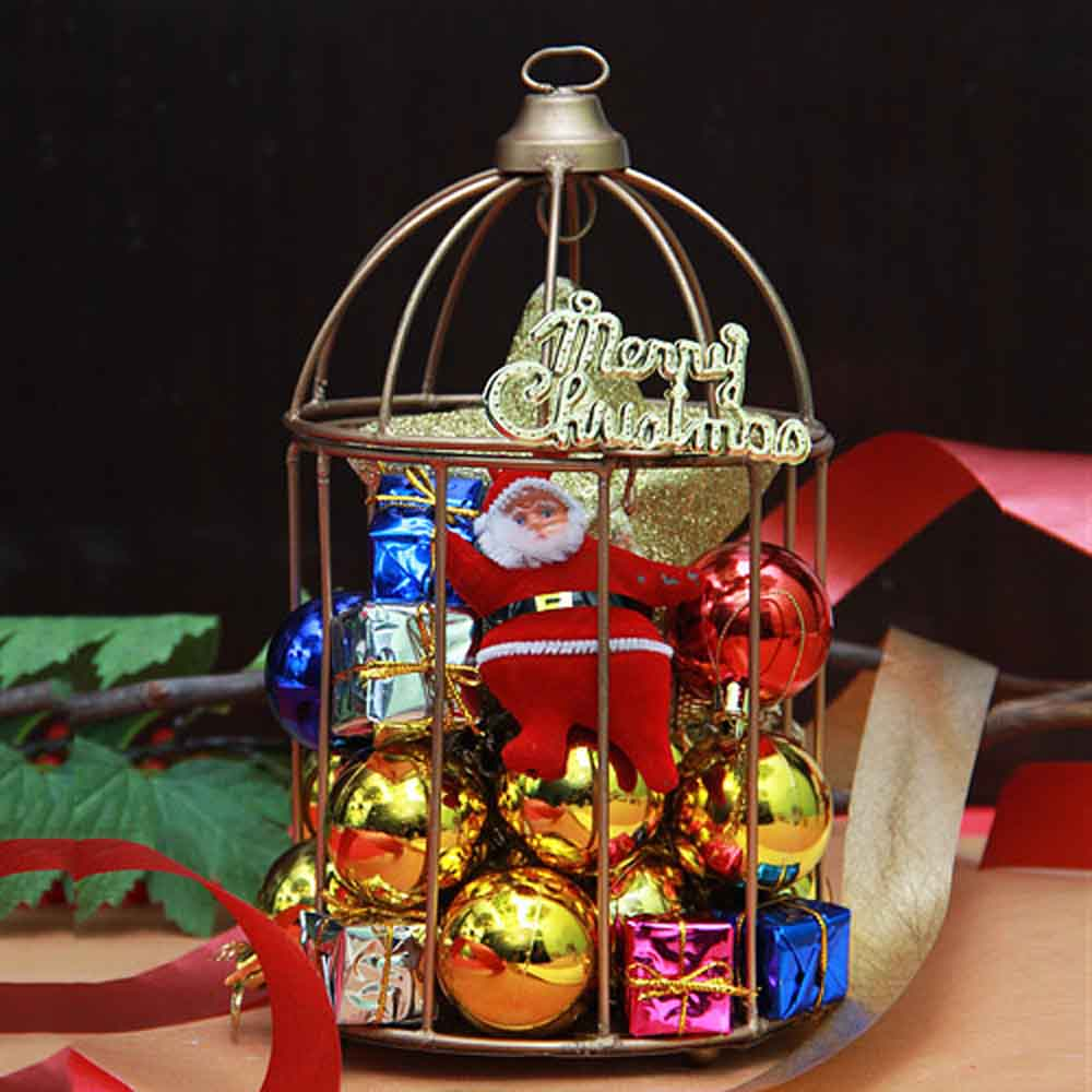 Christmas décor in a cage arrangement
